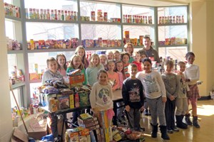 Food Bank Drive Yields Donations for Food Pantry image