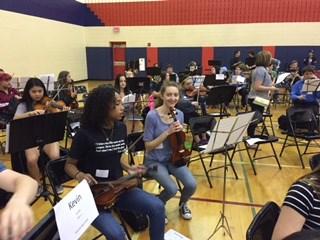 Geneva 304 students rehearsing a piece