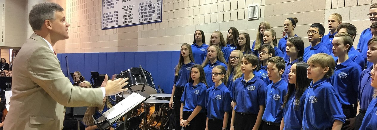 GMS students sing during the annual Veterans Day ceremony